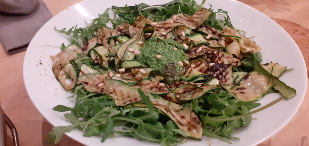 Grilled zucchini with rocket pesto