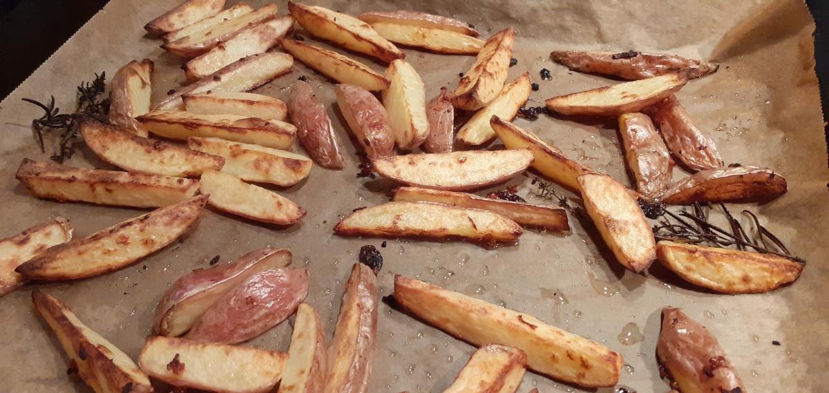 Oven baked Roseval potatoes