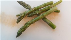 Green asparagus tips